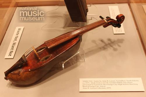 Shoe Violin, National Music Museum