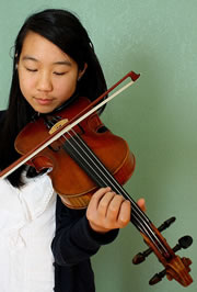 The Teseng family on finding a violin and bow