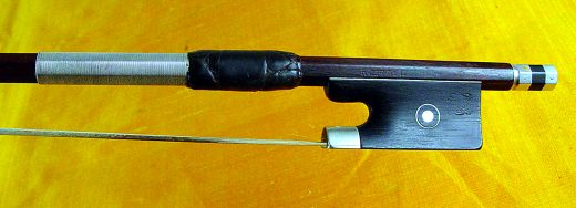 pfretzschner_hr-swan-head-violin-bow