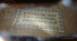 Roze Viola, Orléans 1758 label
