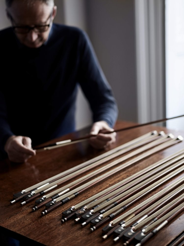 Assessing violin bows