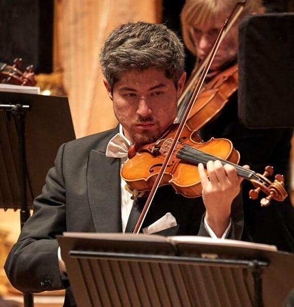 Tam Mott, violinist